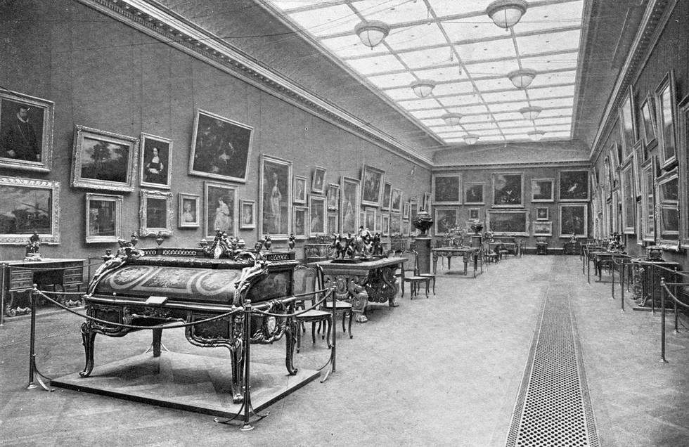 Photo of Great Gallery at The Wallace Collection in 1904