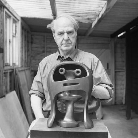 Portrait of Henry Moore with Helmet Head No. 2_LH281_Henry Moore Archive.jpg