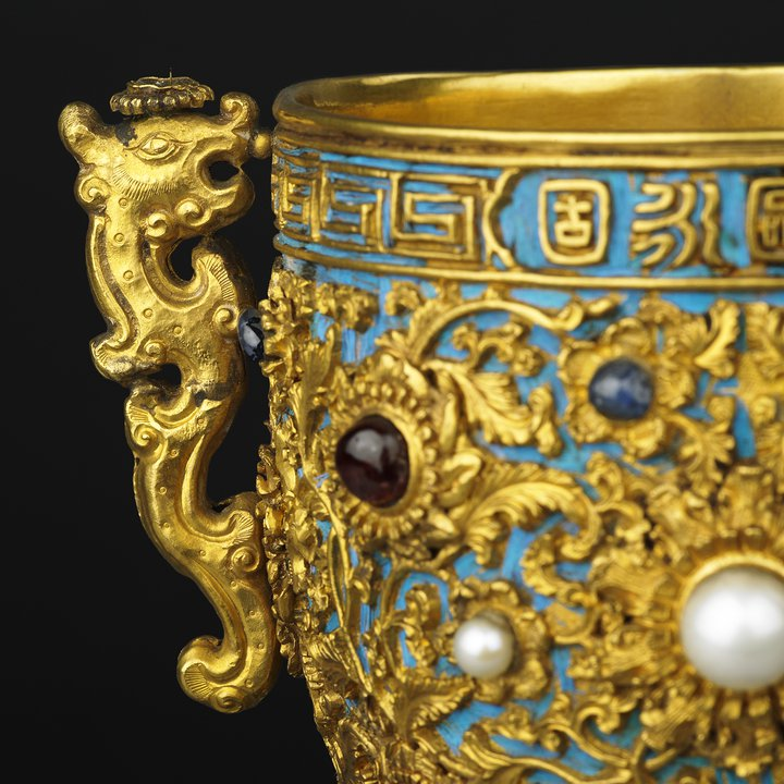 W112, Imperial Wine Cups detail